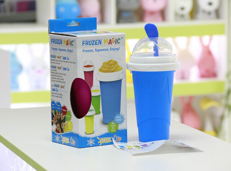 Magic slush ice maker cup with straw and spoon
